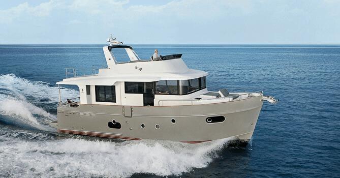 Location BENETEAU Swift Trawler 50 à Ajaccio | www.uni-bateaux.com