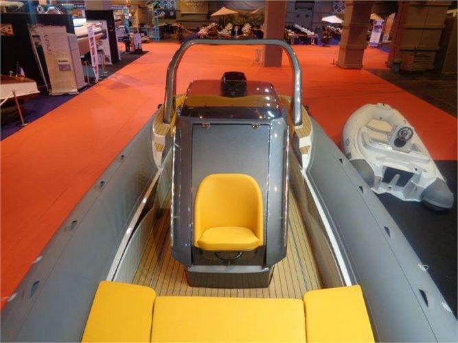 Photo du bateau à moteur ITALBOATS STINGHER 30 GT