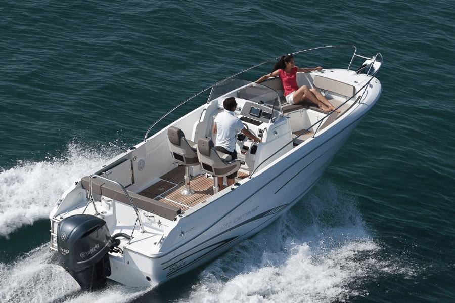 Photo du bateau à moteur JEANNEAU Cap Camarat 7.5 CC S2