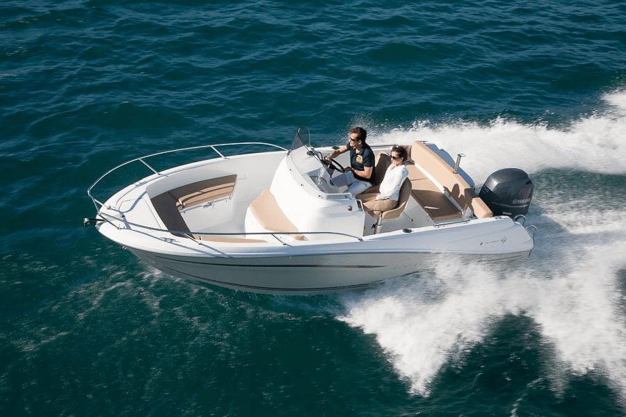 Photo du bateau à moteur JEANNEAU Cap Camarat 6.5 CC S2