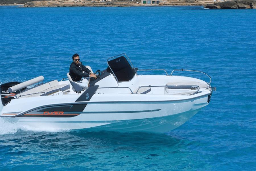Photo du bateau à moteur BENETEAU Flyer 6 SPACEdeck