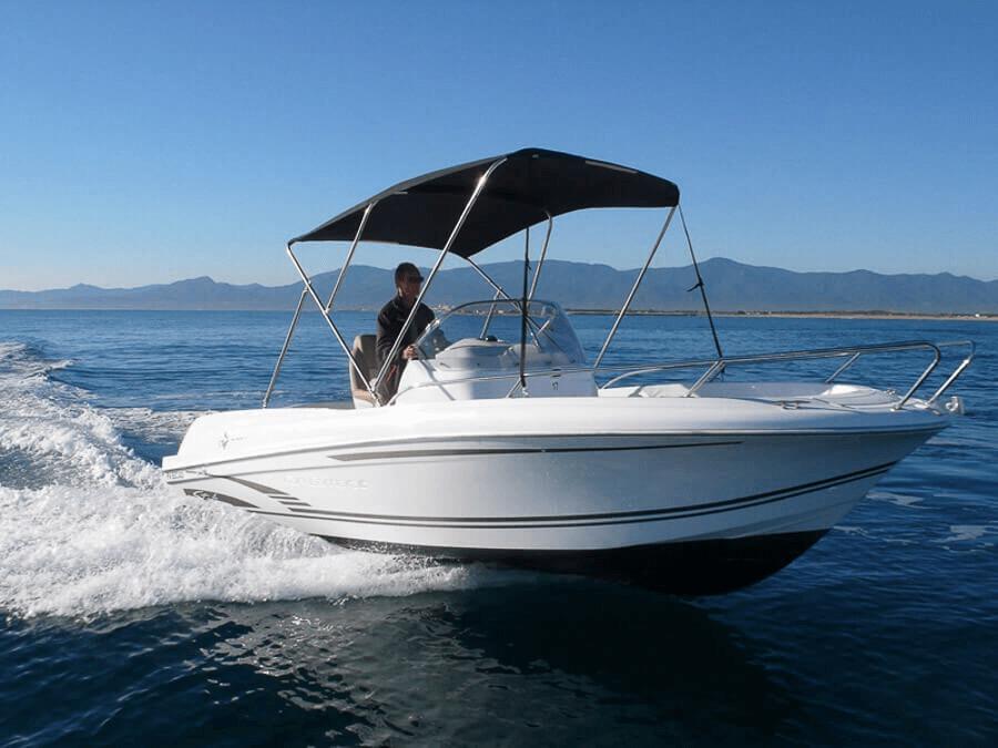 Photo du bateau à moteur JEANNEAU Cap Camarat 6.5 Style