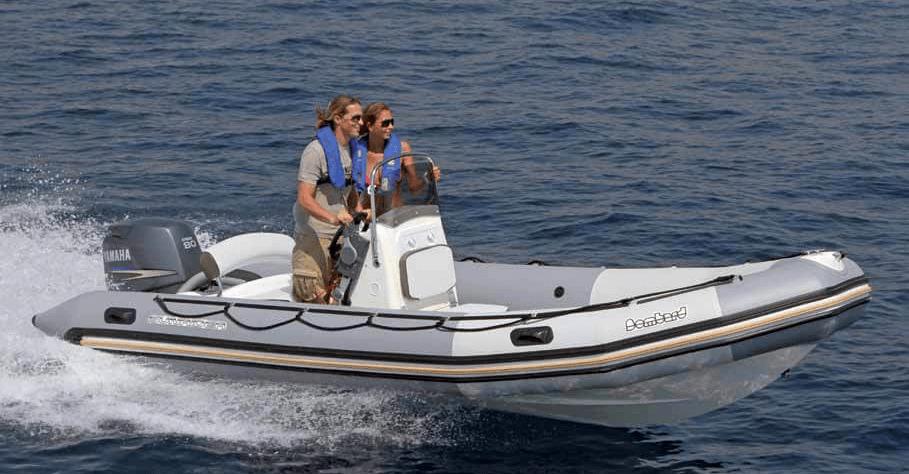 Location BOMBARD Sunrider 550 à Ajaccio | www.uni-bateaux.com