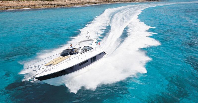 Location FAIRLINE TARGA 40 à Golfe-Juan | www.systemboat.com
