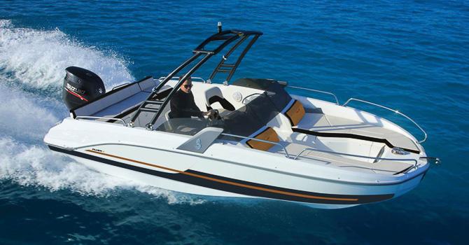 Location BENETEAU Flyer 6.6 SPORTdeck à Ajaccio | www.uni-bateaux.com