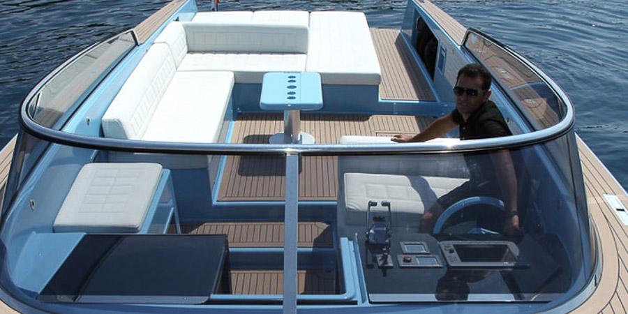 Photo du bateau à moteur VAN DUTCH 40