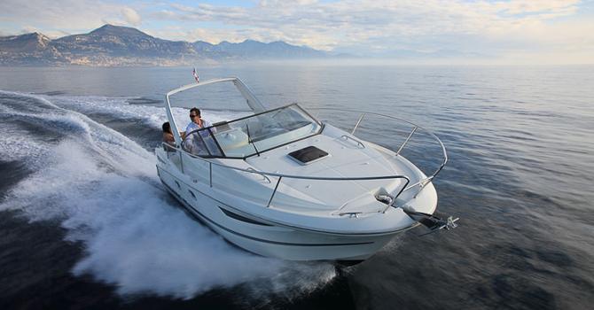 Location JEANNEAU LEADER 8 (B-7) à Golfe-Juan | www.systemboat.com